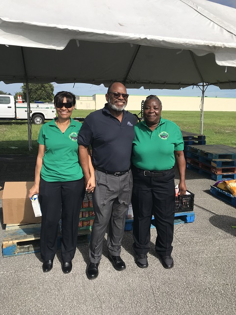 Lauderhill Mayor Ken Thurston with CERT Volunteers